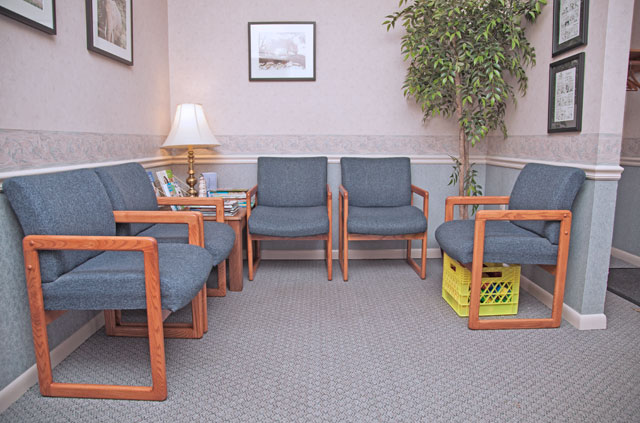 Barth and Danner Dentistry waiting room area